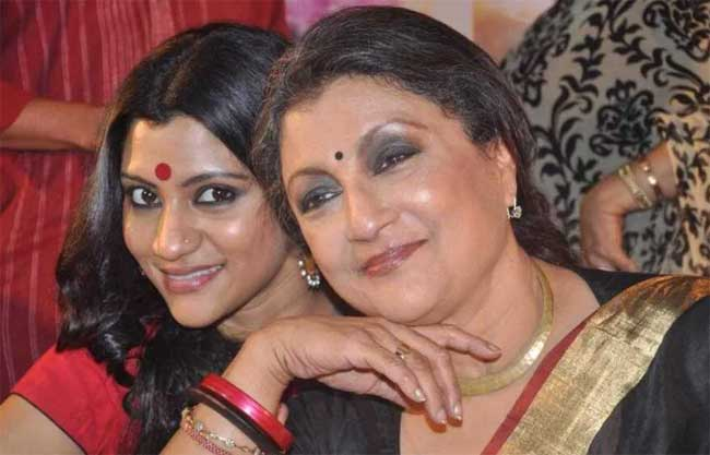 Konkona Sen with her mother Aparna Sen
