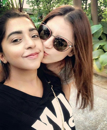 Maya Ali with Her Sister